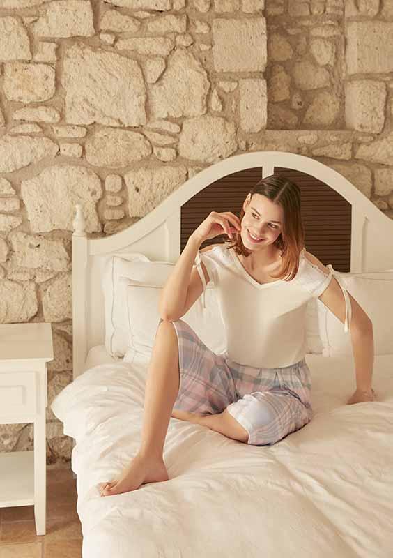 eros-esk26522-modal-ekoseli-v-yaka-kapri-pijama-takimi2
